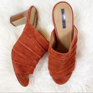 Tahari heel sandal slide on mule Open toe suede 8